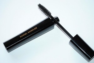 daniel-sandler-intense-volume-pro-mascara-review-3